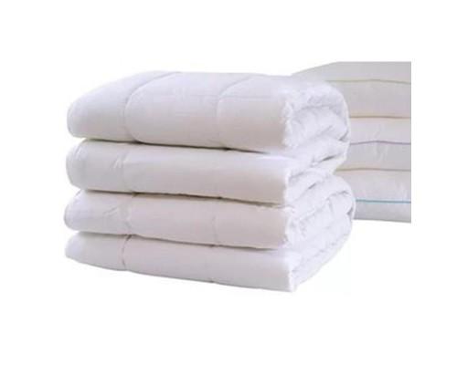 Одеяло 1.5-спальное 140х205 см поликоттон/холлофайбер белое